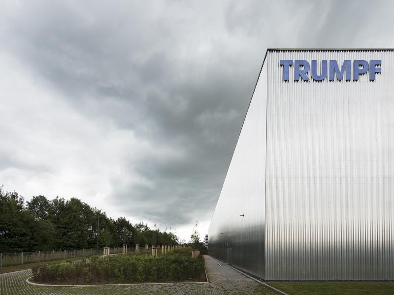 Trumpf eröffnet voll digitalisiertes Logistikzentrum